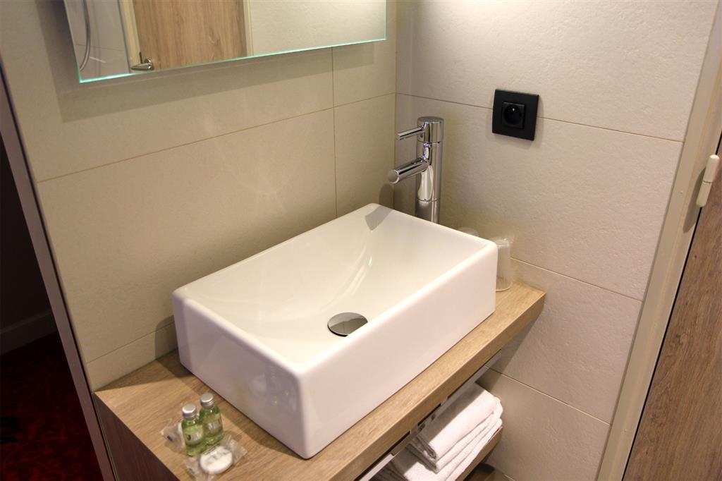 Best Western Hotel Le Montmartre Saint Pierre - Cuarto de baño de clientes