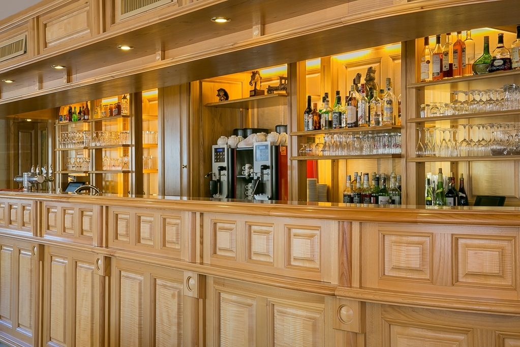 Best Western Au Cheval Blanc Mulhouse Nord - Bar / Lounge