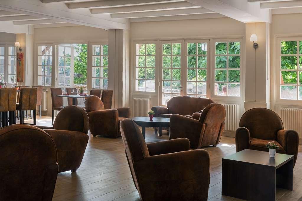 Best Western Blanche De Castille Dourdan - Bar / Lounge