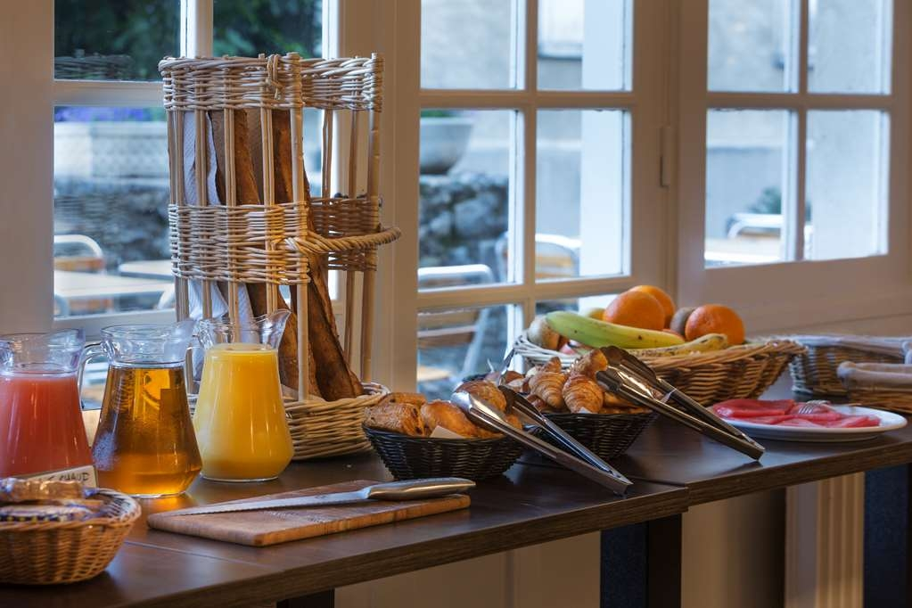 Best Western Blanche De Castille Dourdan - Prima colazione a buffet