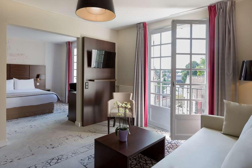 Best Western Blanche De Castille Dourdan - Guest Room