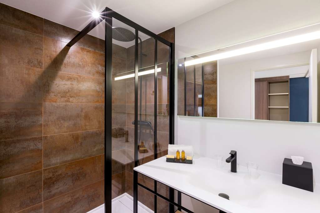 Le Domaine de Montjoie, BW Premier Collection - Bathroom