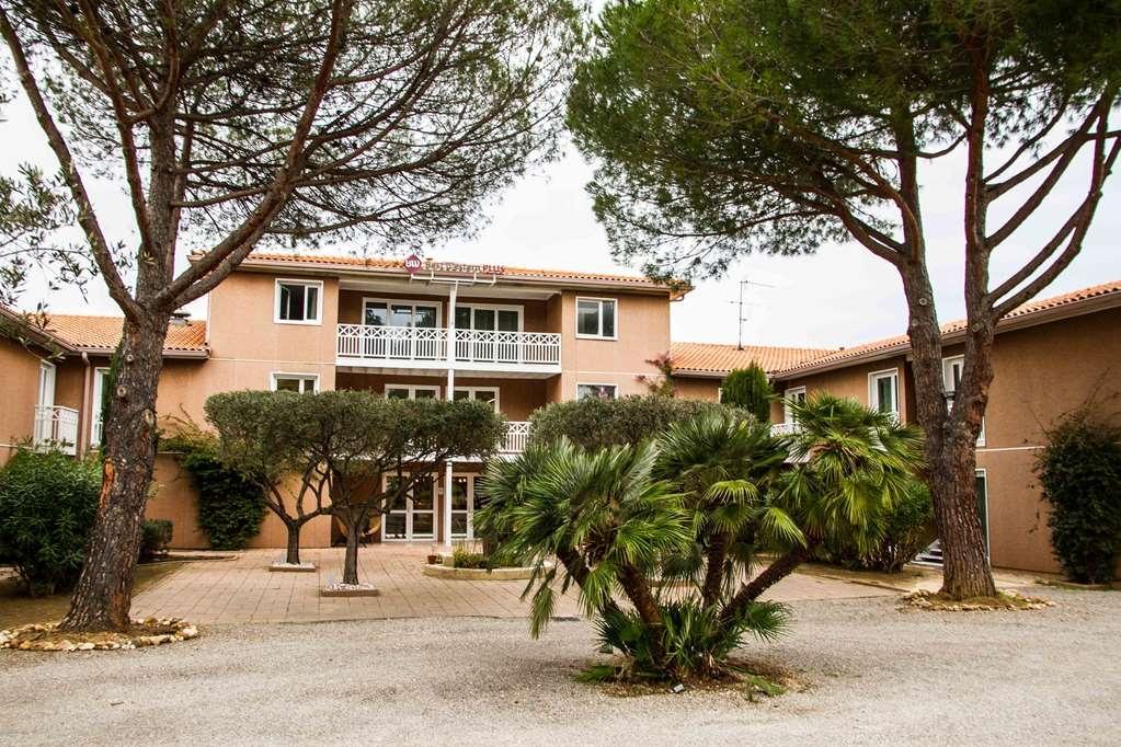 Best Western Plus Hyeres Cote D'azur - Hotel Entrance