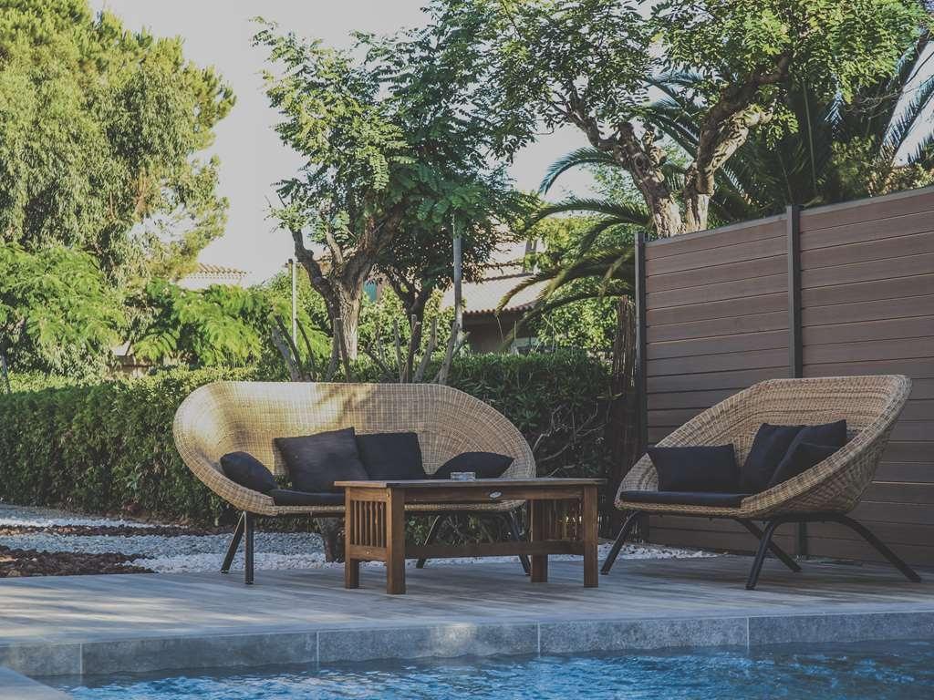 Best Western Plus Hyeres Cote D'azur - Vue de la piscine