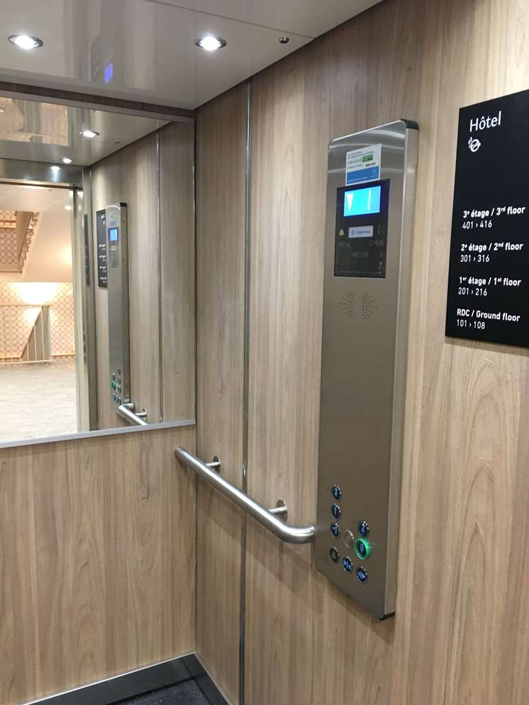 Best Western La Porte des Chateaux - Ascenseur