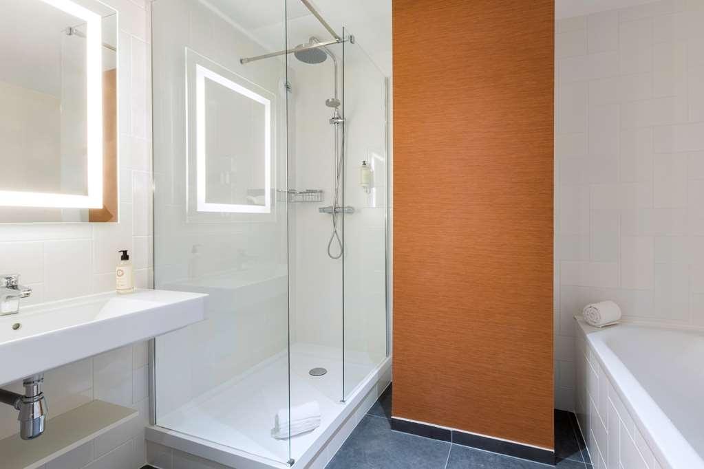 Best Western La Porte des Chateaux - Bathroom