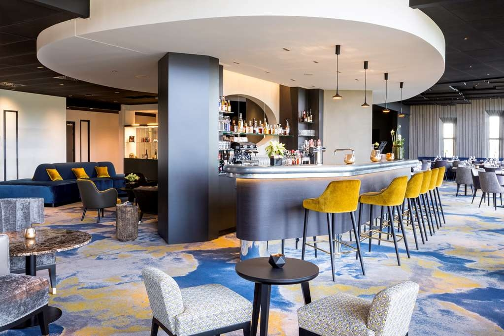 Best Western Plus Hotel Les Humanistes - Bar / Lounge