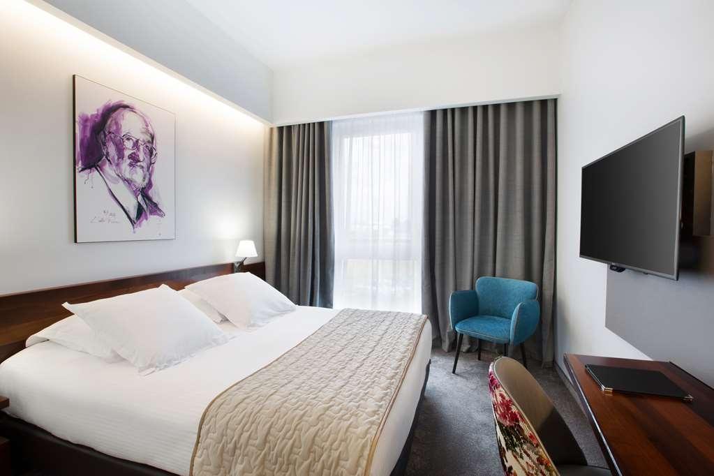 Best Western Plus Hotel Les Humanistes - Gästezimmer/ Unterkünfte