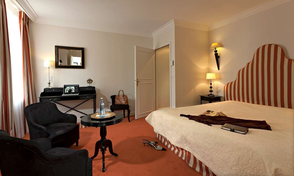 Best Western Plus Hotel Villa D'est - Larger Superior Room with One Queen Size Bed
