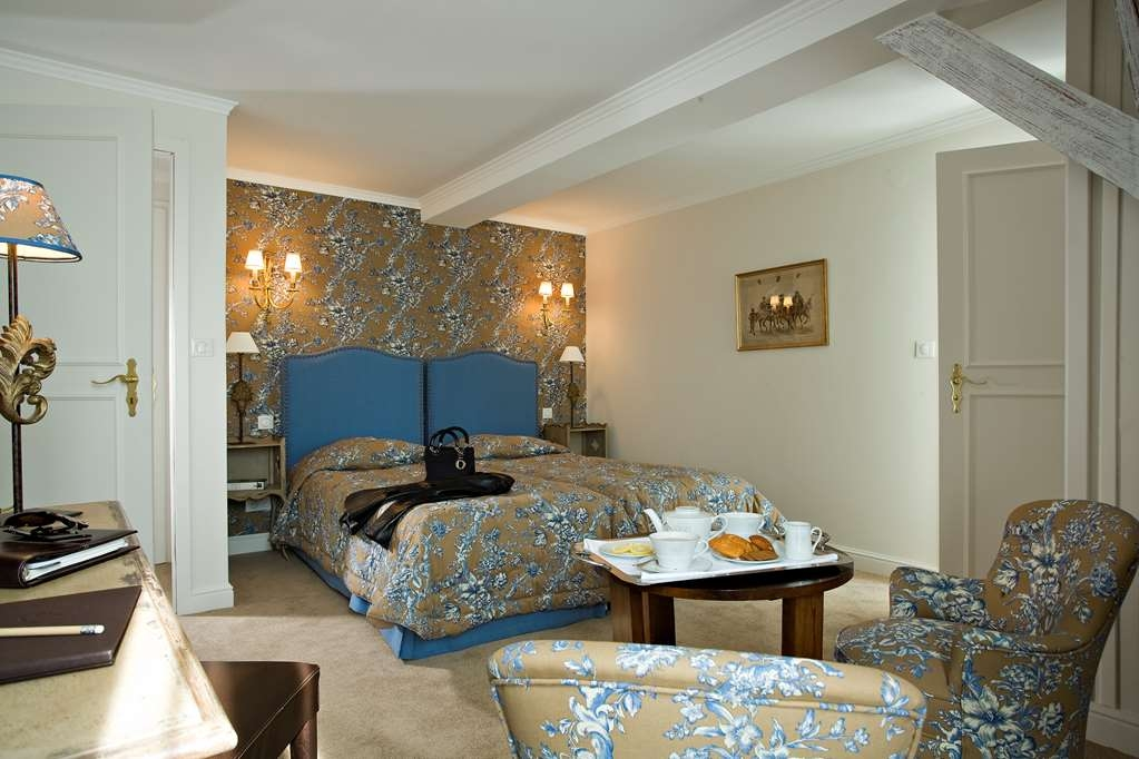 Best Western Plus Hotel Villa D'est - Larger Superior Guest Room with Two Twin Size Beds