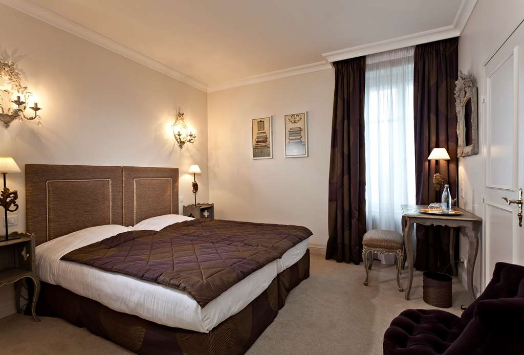 Best Western Plus Hotel Villa D'est - Classic Room with Two Twin Size Beds