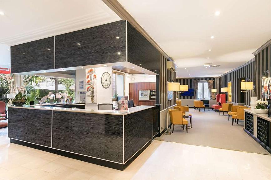 Best Western Plus Hotel Brice Garden - Best Western Plus Hotel Brice Garden Front Desk