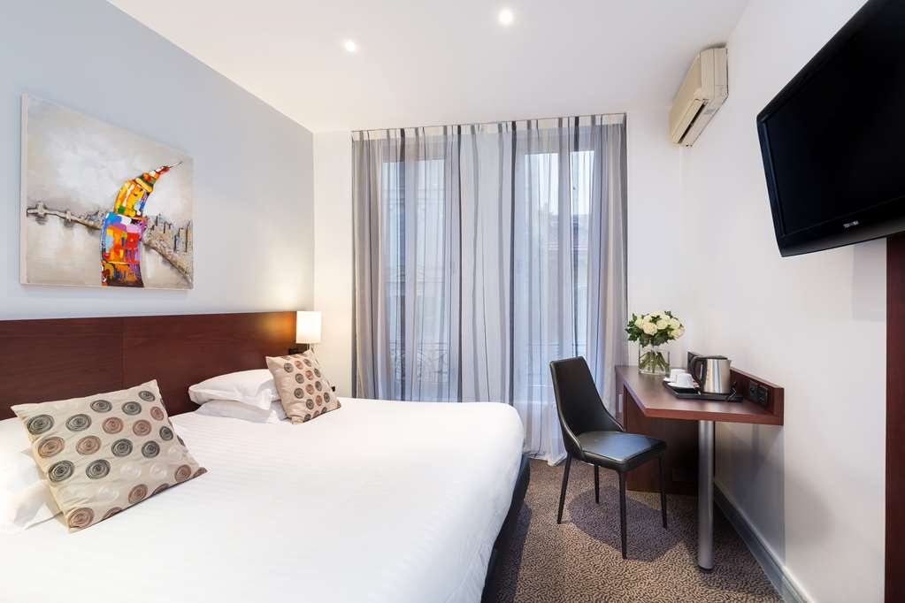 Best Western Plus Hotel Brice Garden - Superior Room with One King Size Bed