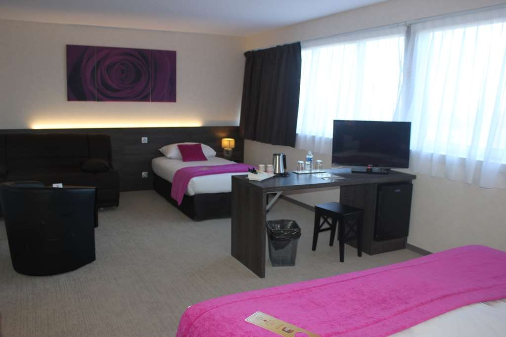 Best Western Plus Hotel Admiral - Junior Suite with One King Size Bed, One Twin Size Bed and a Sofabed