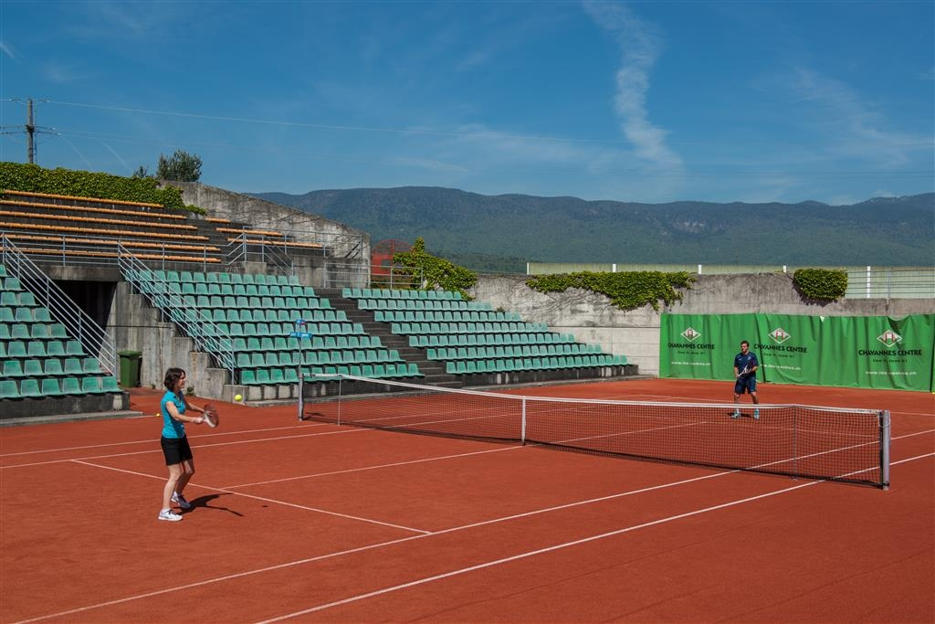 Best Western Chavannes De Bogis - Tennis Court