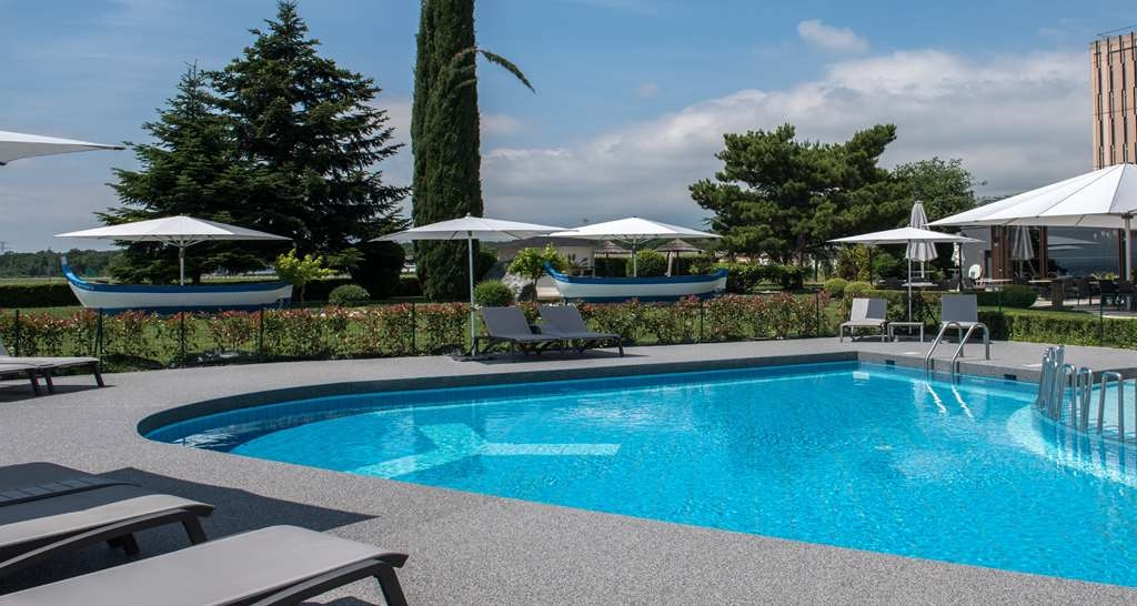 Best Western Chavannes De Bogis - Pool