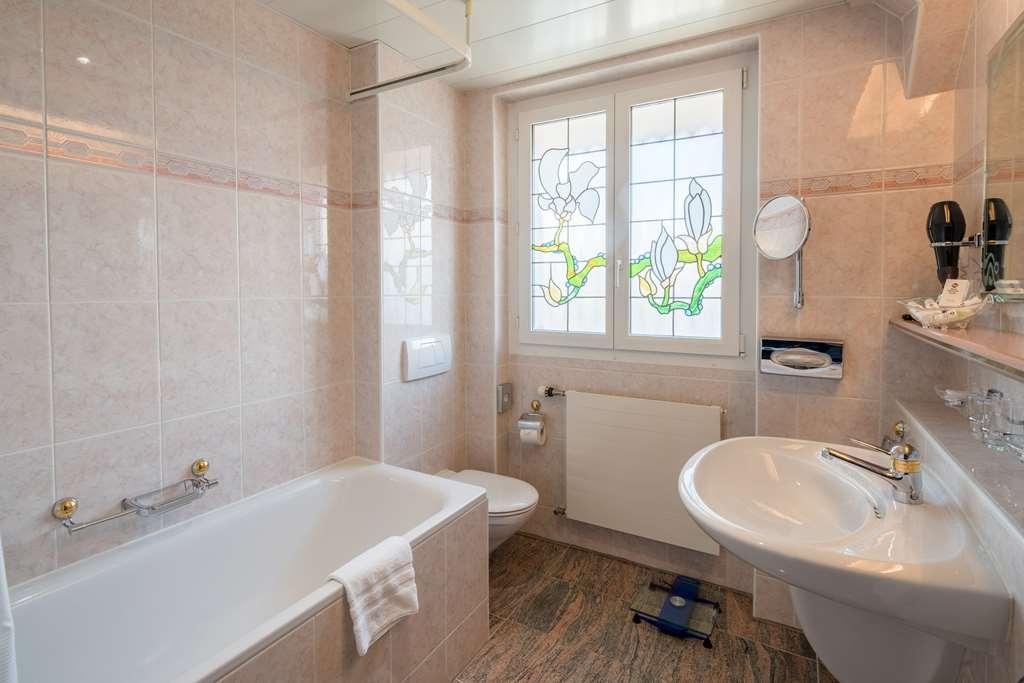 Best Western Plus Hotel Mirabeau - guest room bath