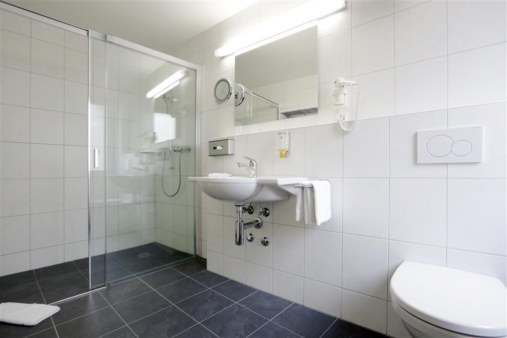 Best Western Plus Hotel Bahnhof - Guest Bathroom