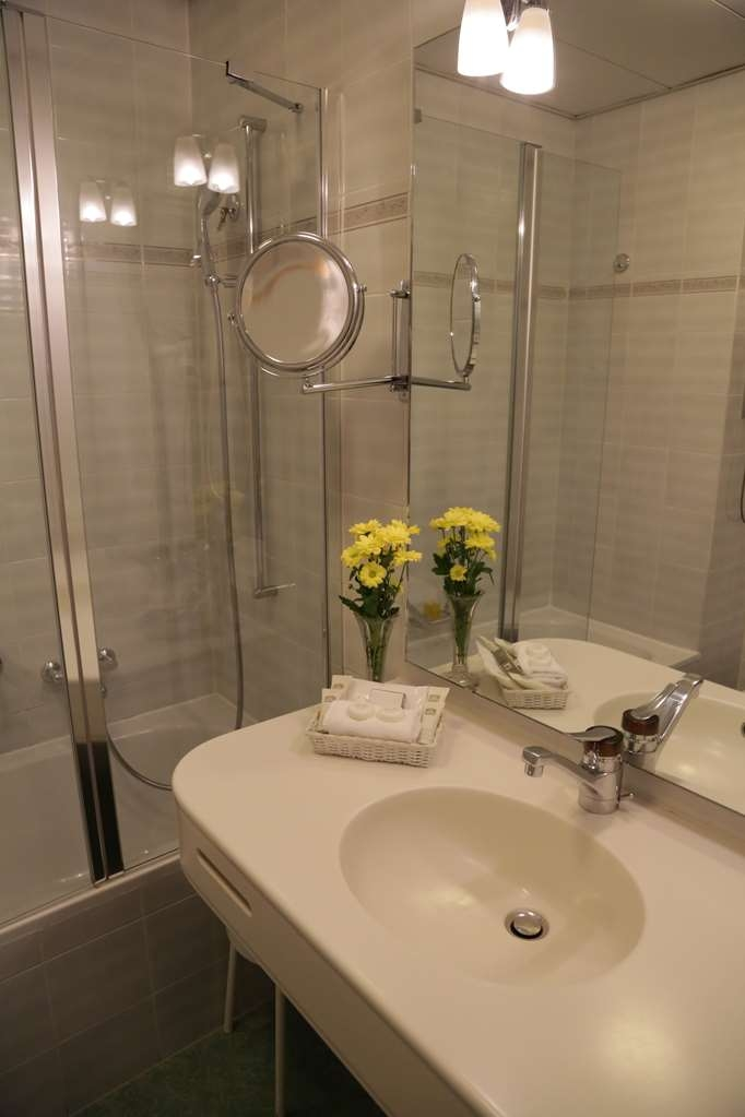 Best Western Hotel Bellevue Au Lac - Bathroom