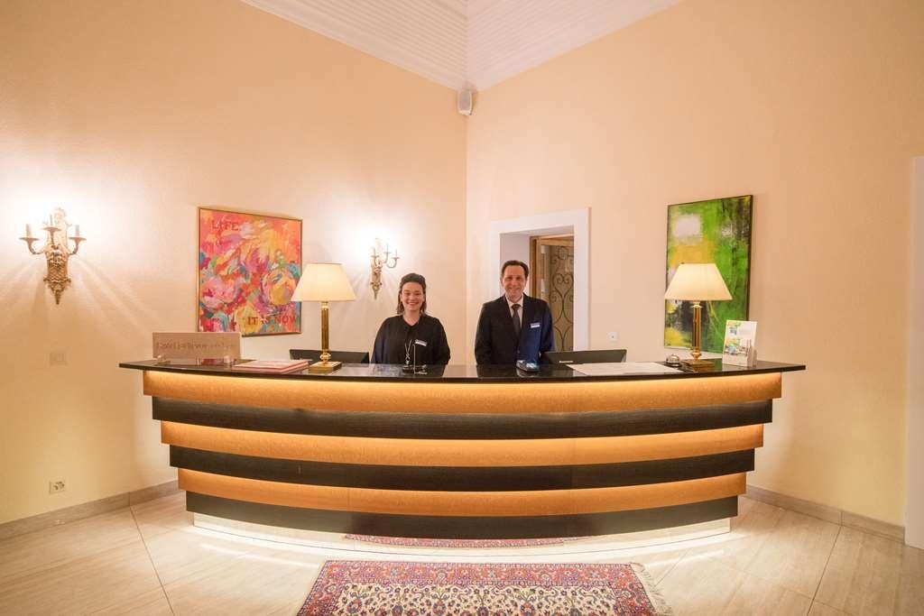 Best Western Hotel Bellevue Au Lac - Vista del vestíbulo