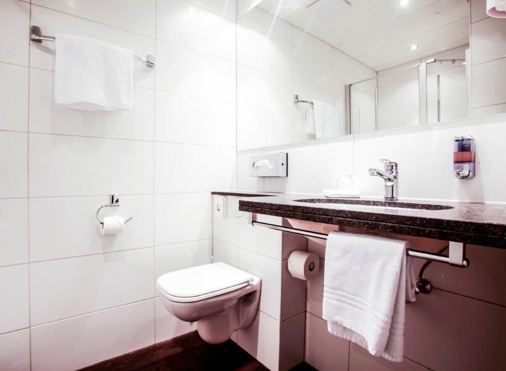 Gasthaus zur Waldegg, BW Signature Collection - Cuarto de baño de clientes