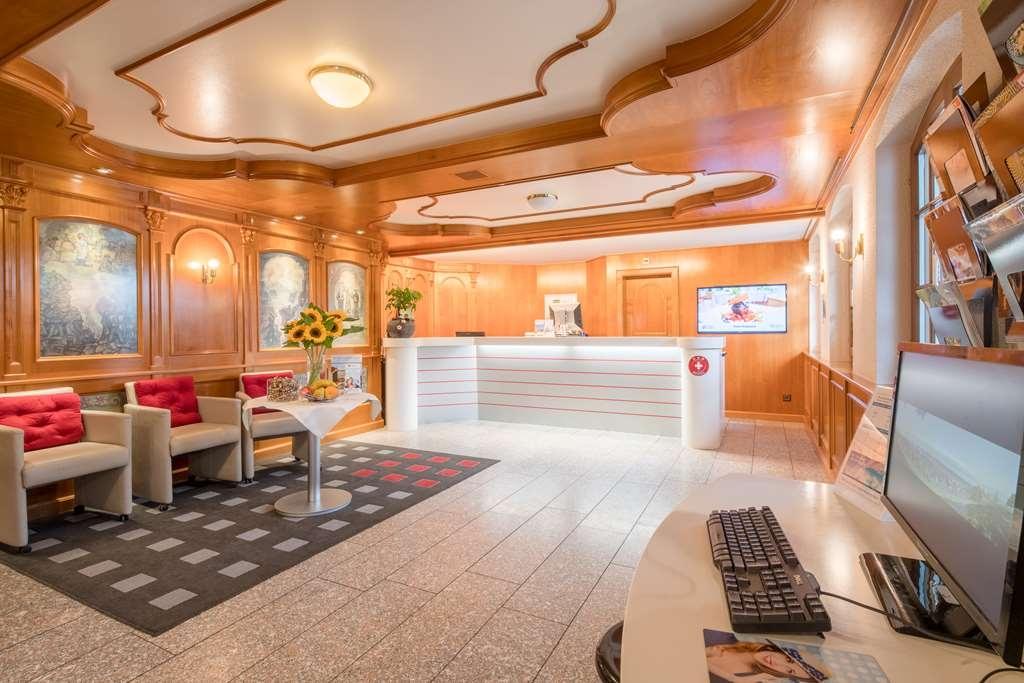 Best Western Hotel Rebstock - Vista del vestíbulo