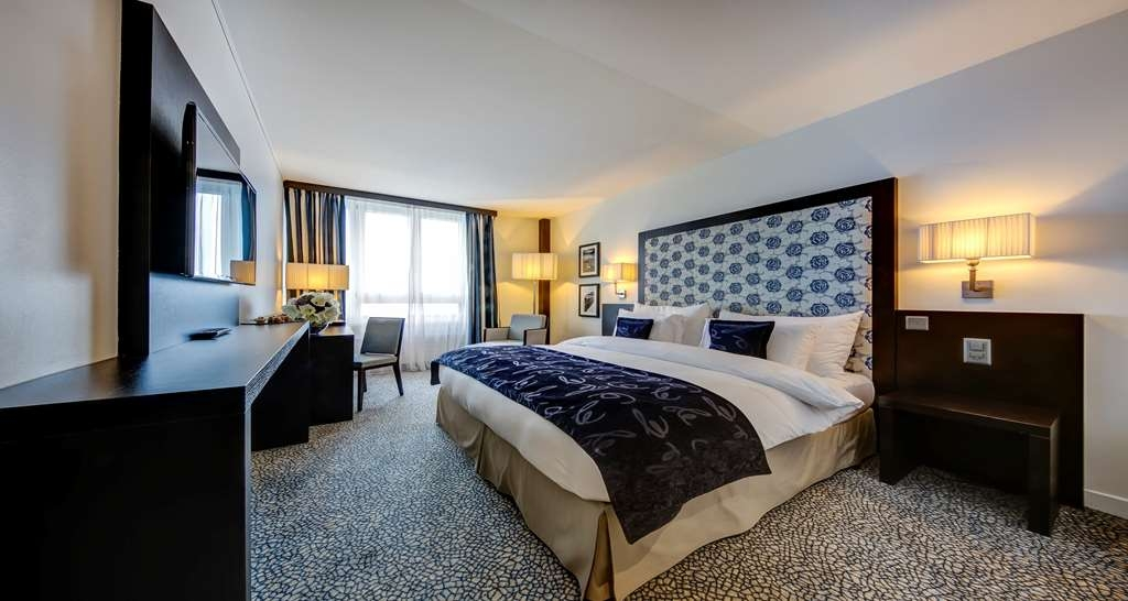 Best Western Premier Hotel Beaulac - Comfort Two Twin Room Lake View