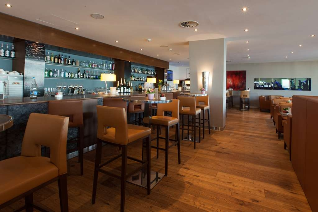 Best Western Premier Hotel Beaulac - Bar/Lounge