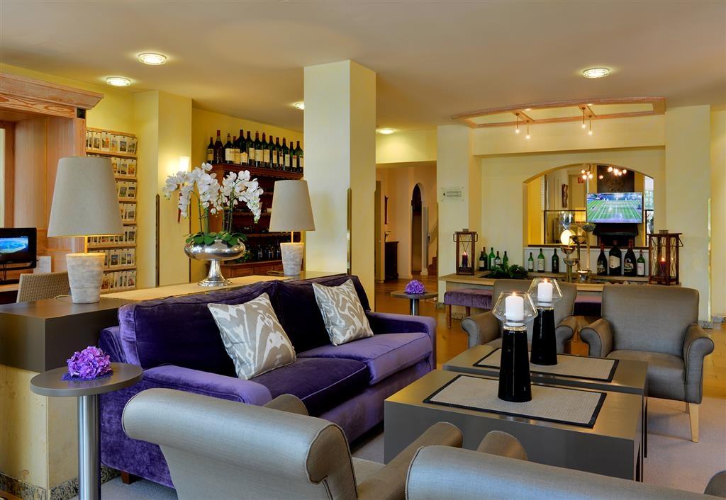 Best Western Hotel Der Foehrenhof - Reception - Lobby