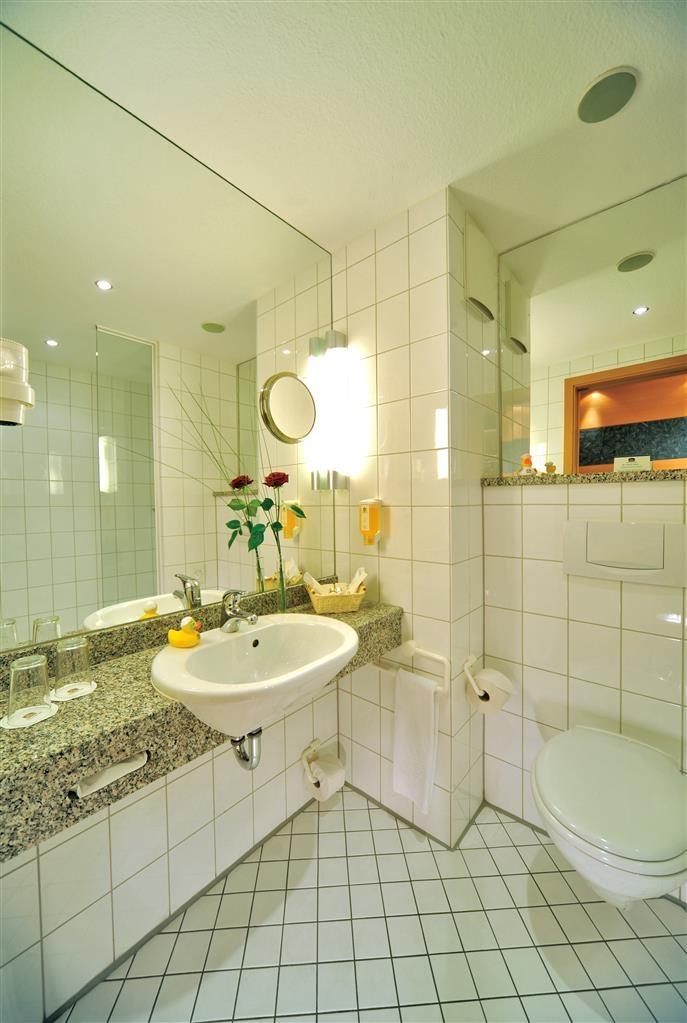 Best Western Premier Parkhotel Kronsberg - Baño