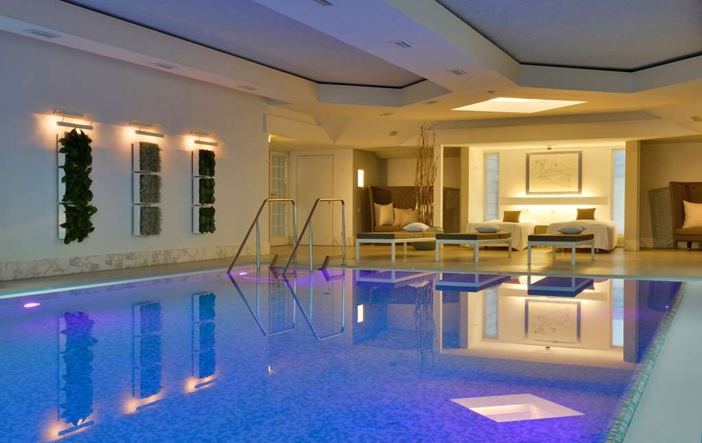 Best Western Premier Parkhotel Kronsberg - Vista de la piscina