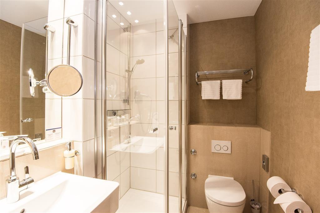 Best Western Plus Hotel St. Raphael - Gästebad