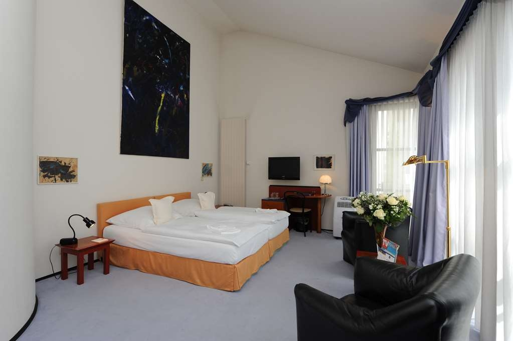 Best Western Hotel Domicil - guest room