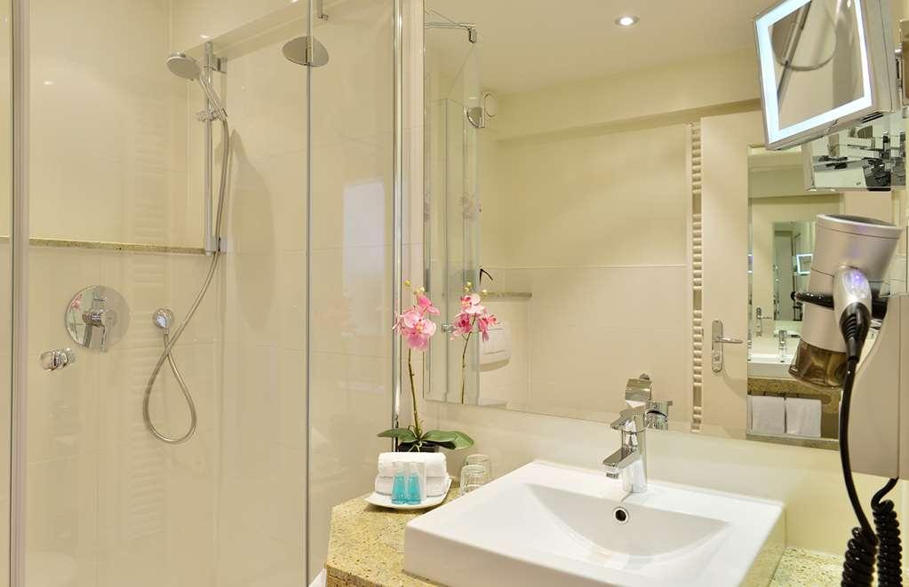 Best Western Premier Alsterkrug Hotel - Baño