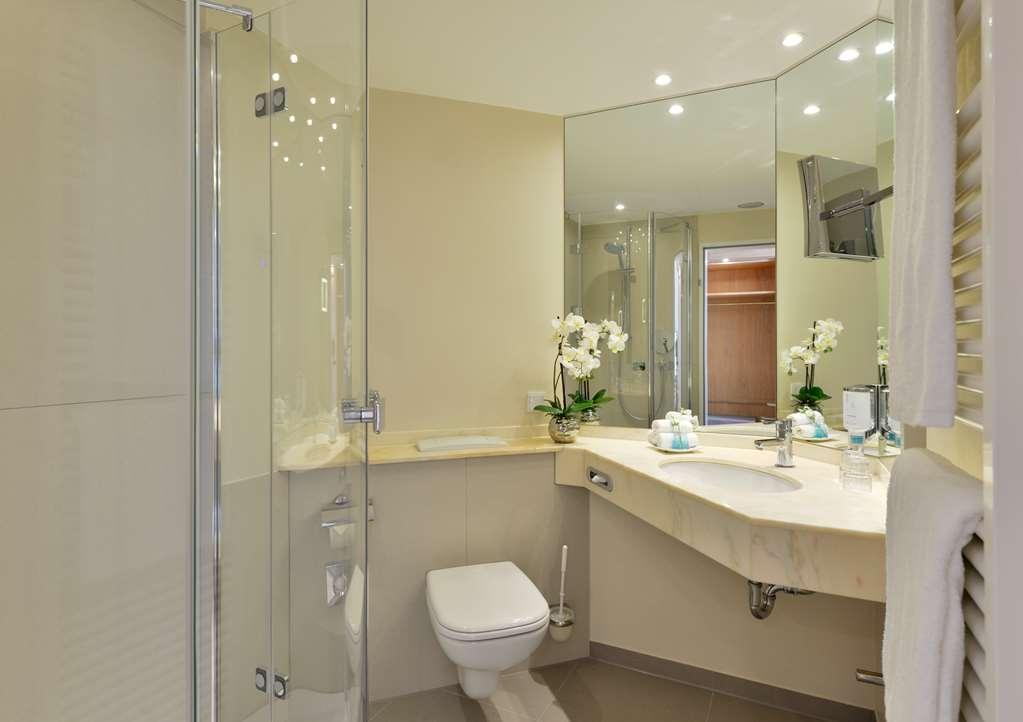 Best Western Premier Alsterkrug Hotel - Bathroom