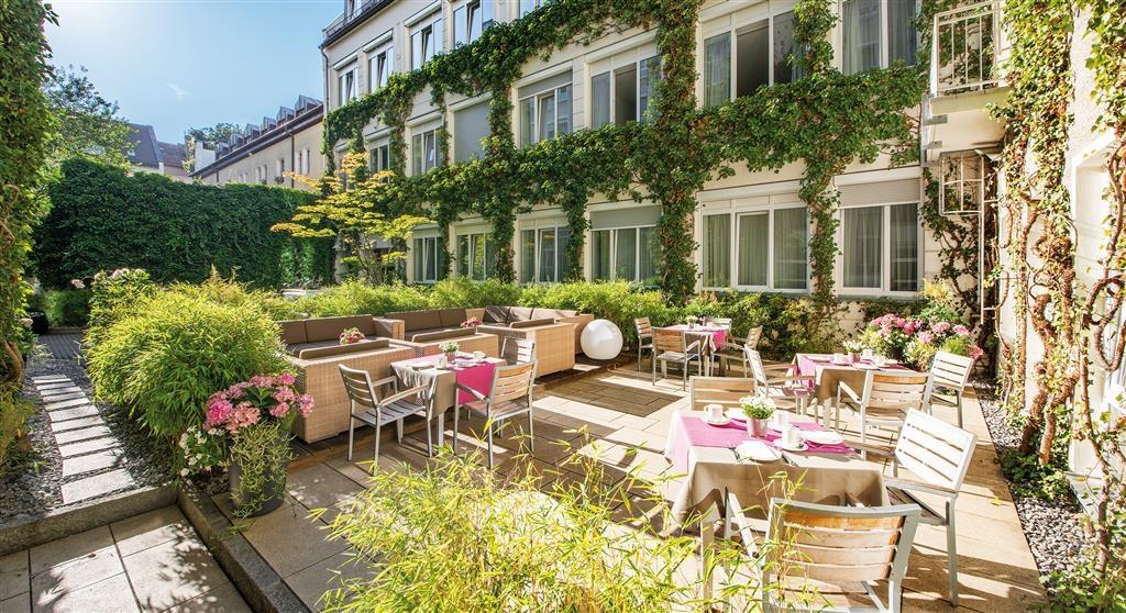Best Western Atrium Hotel - Innenhof