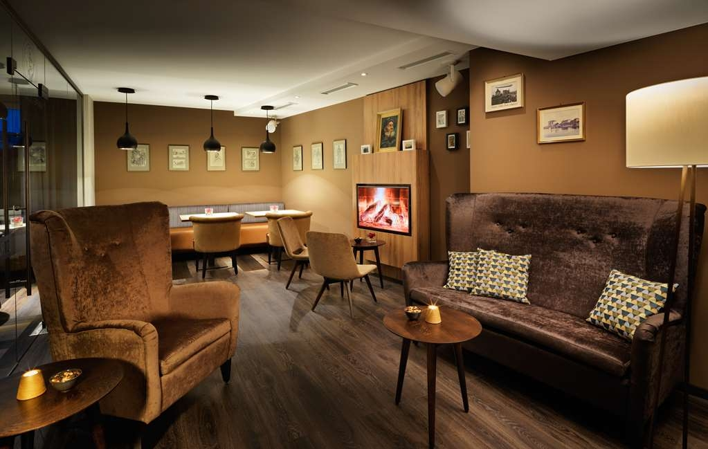 Best Western Donner's Hotel & Spa - Bar / Lounge