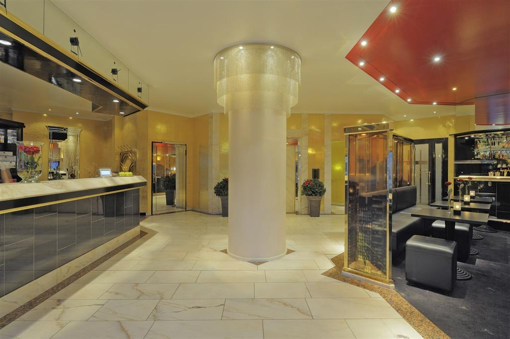 Best Western Plus Hotel Regence - Vestíbulo del hotel