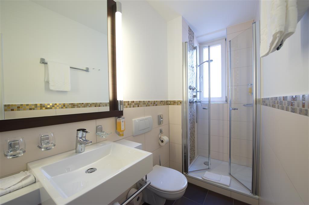 Best Western Hotel Kaiserhof - Guest Bathroom