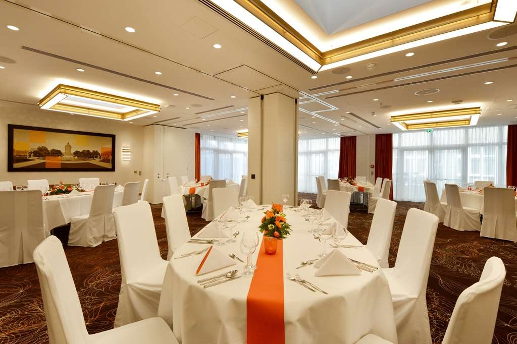 Best Western Plus Delta Park Hotel - Restaurant / Gastronomie