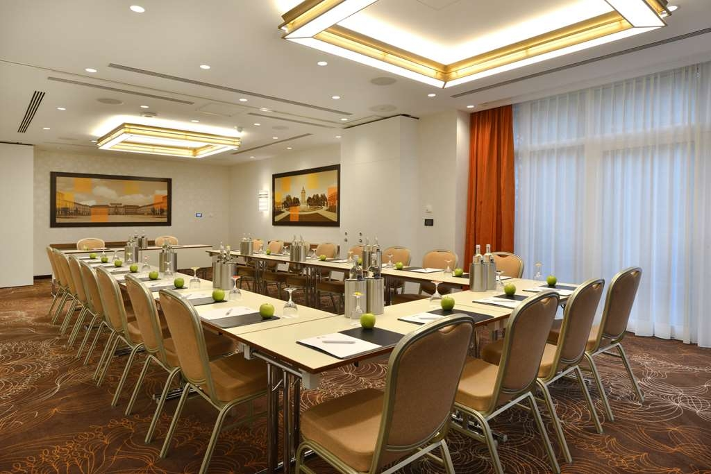 Best Western Plus Delta Park Hotel - Meeting room