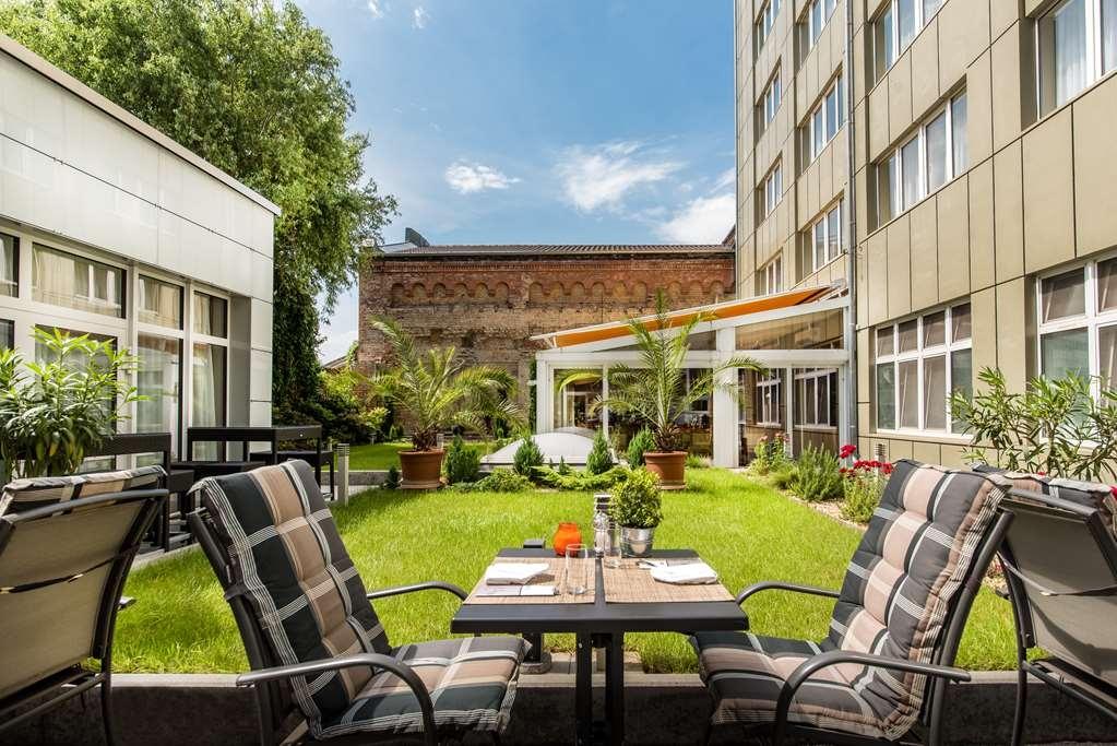 Best Western Plus Delta Park Hotel - Außenansicht