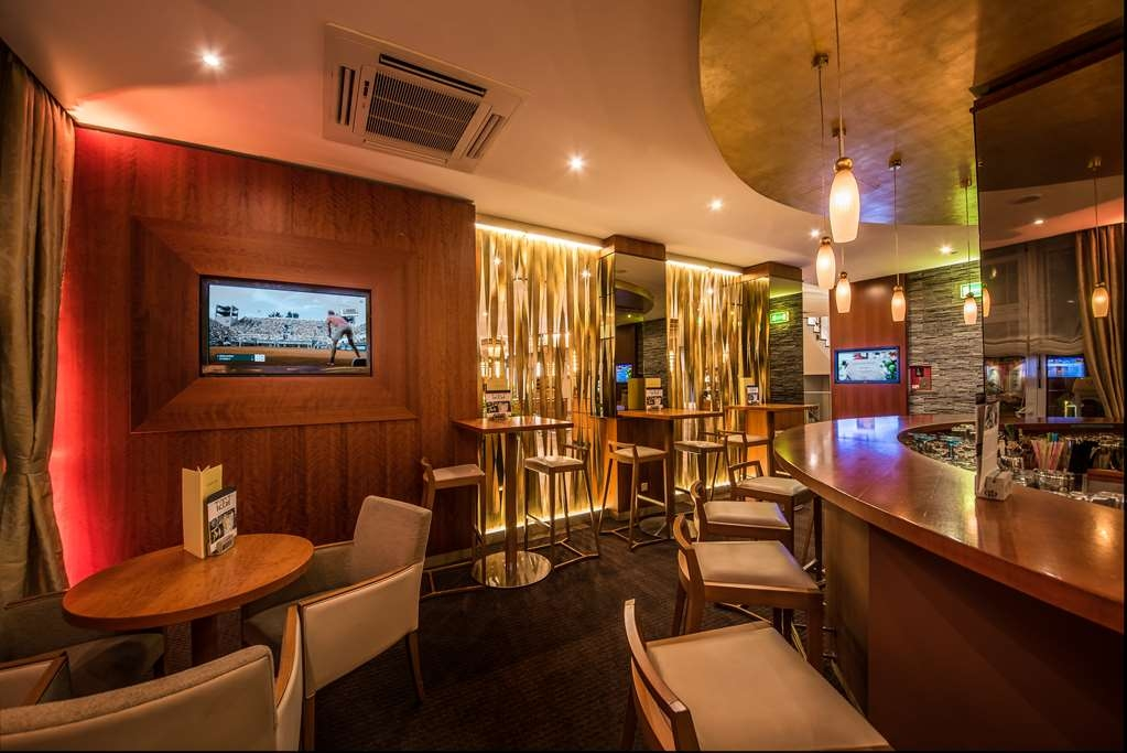 Best Western Plus Delta Park Hotel - Bar