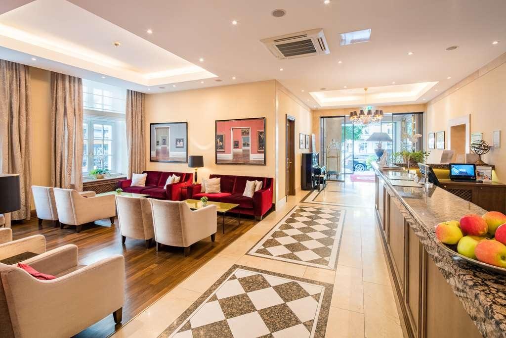 Best Western Plus Hotel Stadtpalais - Vista del vestíbulo