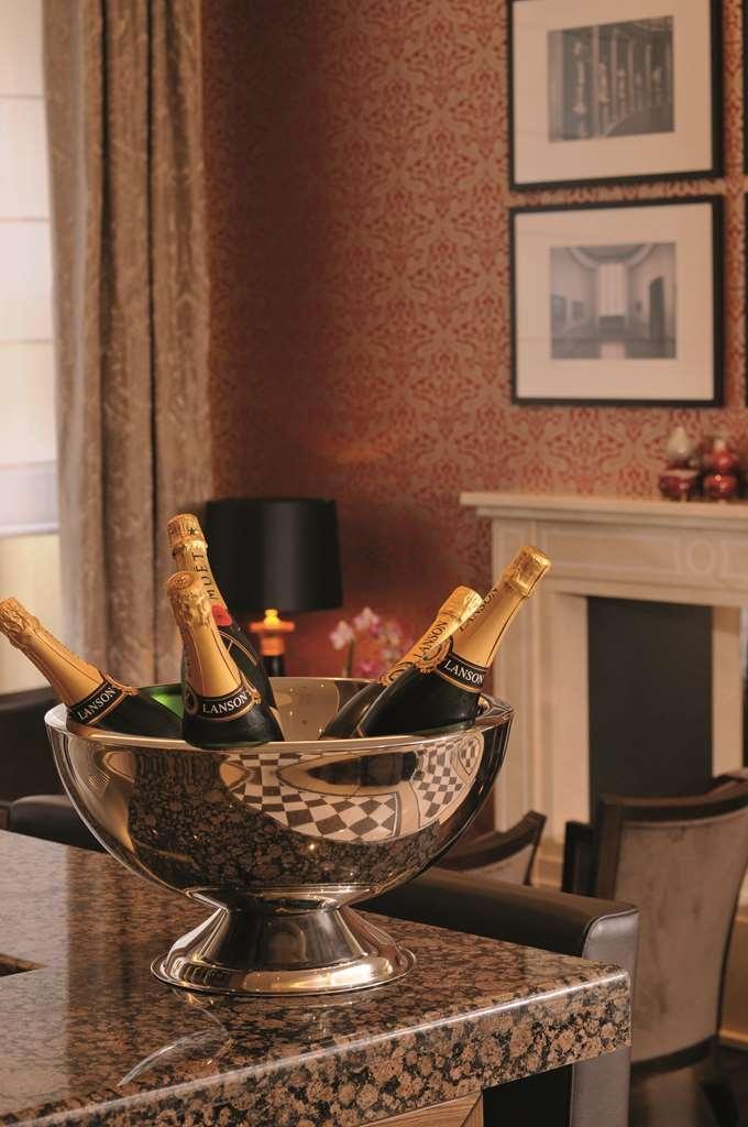 Best Western Plus Hotel Stadtpalais - Bar/Lounge