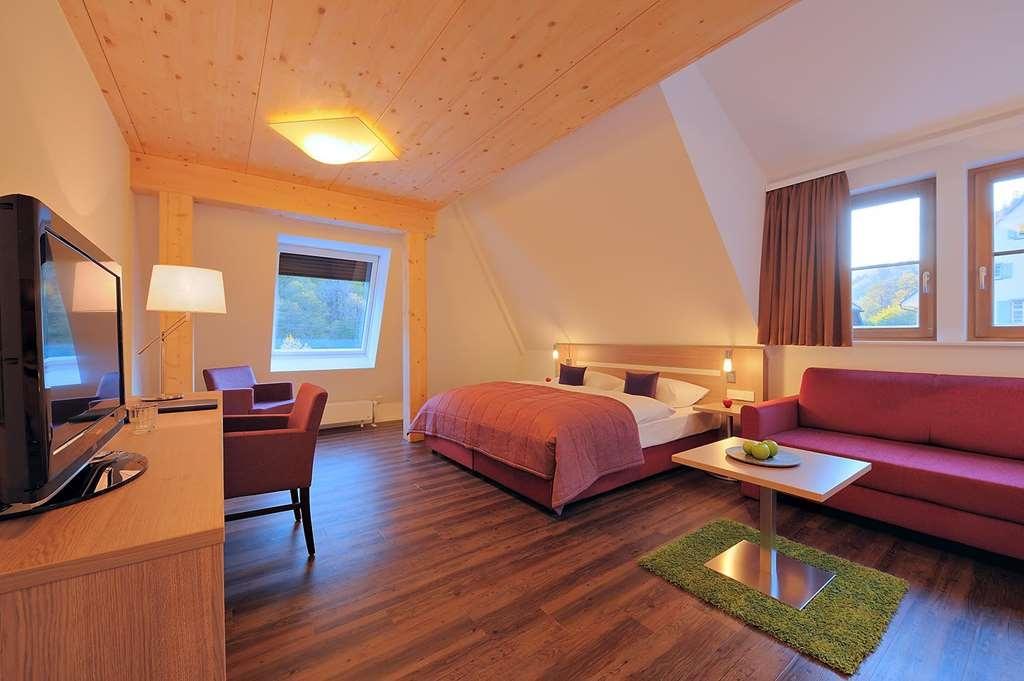 Best Western Hotel Hofgut Sternen - Deluxe Double Bed Guest Room