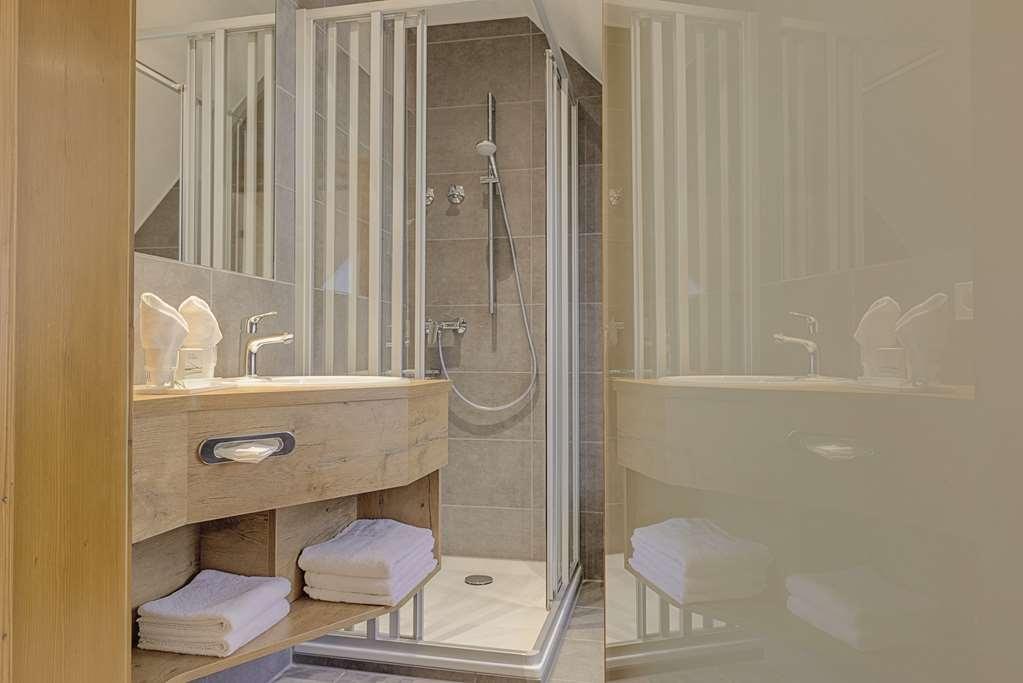 Best Western Hotel Hofgut Sternen - Bathroom