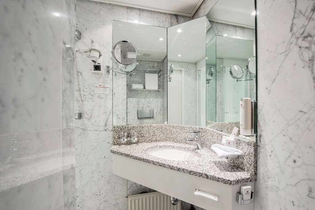 Best Western Premier Hotel Villa Stokkum - Bathroom