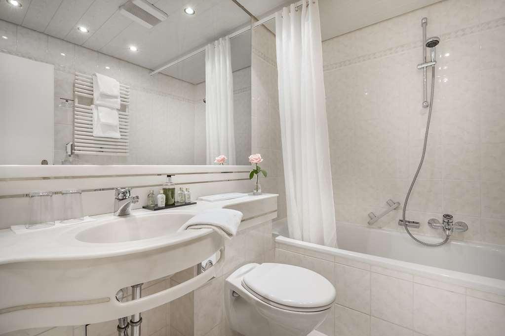 Best Western Hotel Goldenes Rad - Bathroom