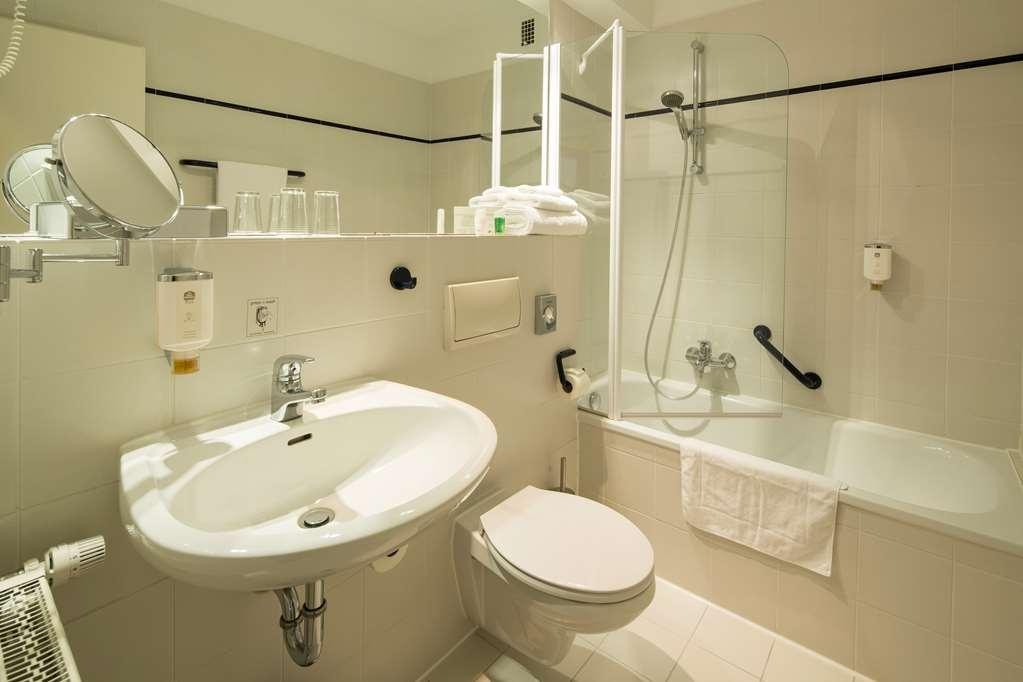Best Western Plus Hotel Steinsgarten - Bathroom